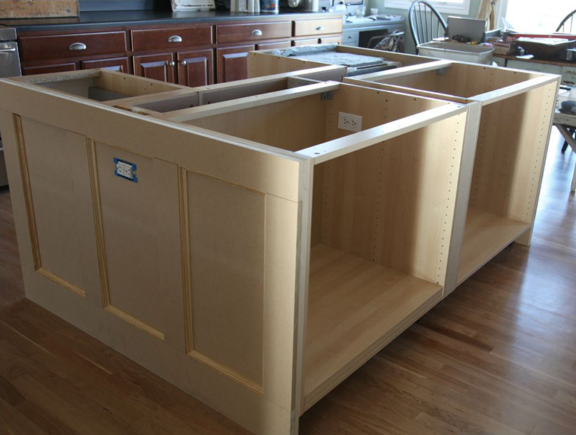 What to Consider With a Kitchen Island Installation